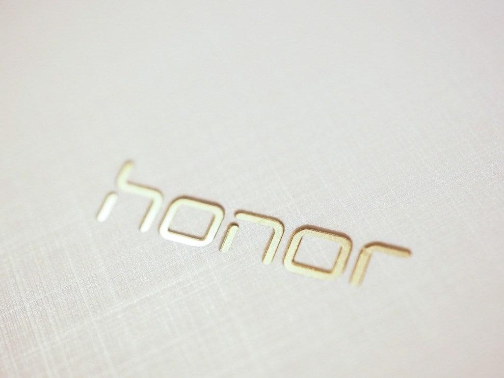 Honor 7: con lettore di impronte o con duo camera, secondo queste foto contrastanti