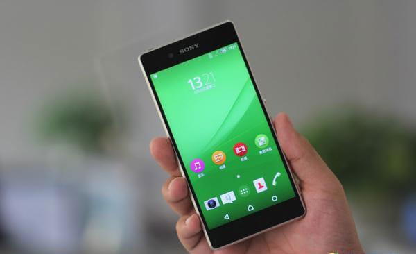 Sony Xperia Z3+ si spoglia in un primo teardown (foto)