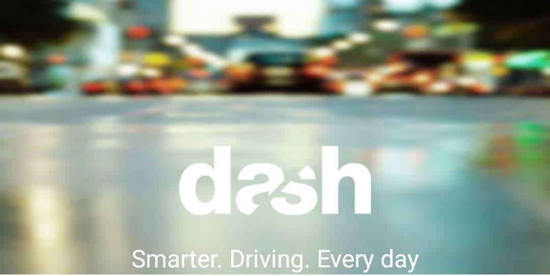 Come trasformare ogni auto in una smart car, grazie a Dash - Drive Smart (foto e video)