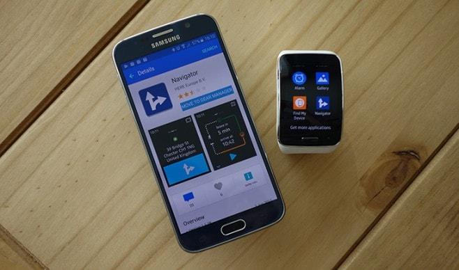 Scaricate HERE for Gear utilizzando Samsung Gear Manager