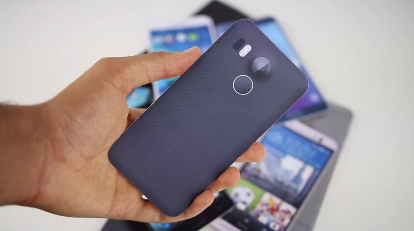 Guardate quant'è grande LG Nexus 5 (2015) rispetto alla concorrenza grazie a questo mockup (video)