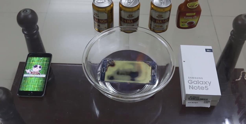 Guardate un Galaxy Note 5 morire tra le fiamme (video)
