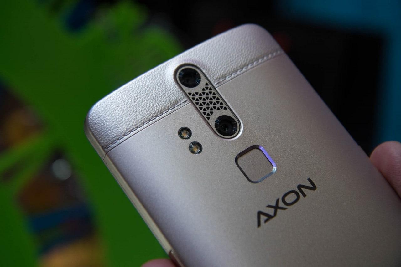 ZTE Axon Elite si sblocca con impronte digitali, retina o riconoscimento vocale