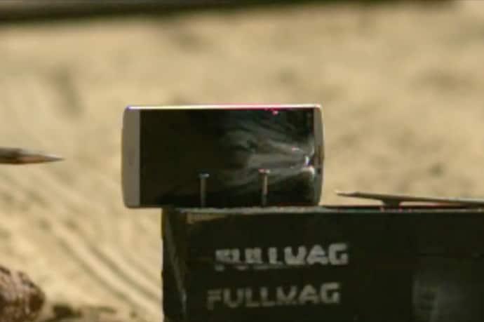 LG V10 - scratch test - fucile
