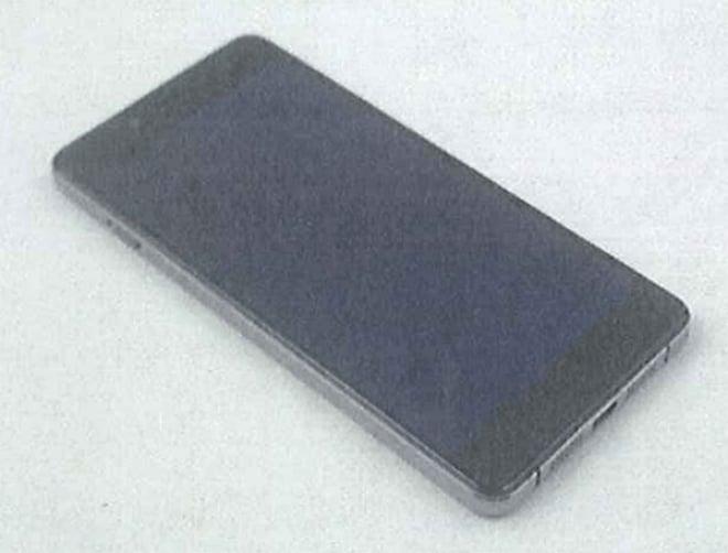 OnePlus X in una foto reale: due colori e retro in vetro