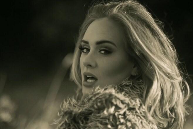 Immagino che Adele, per scrivere Hello, abbia raggiunto uno stadio di solitudine tale  da