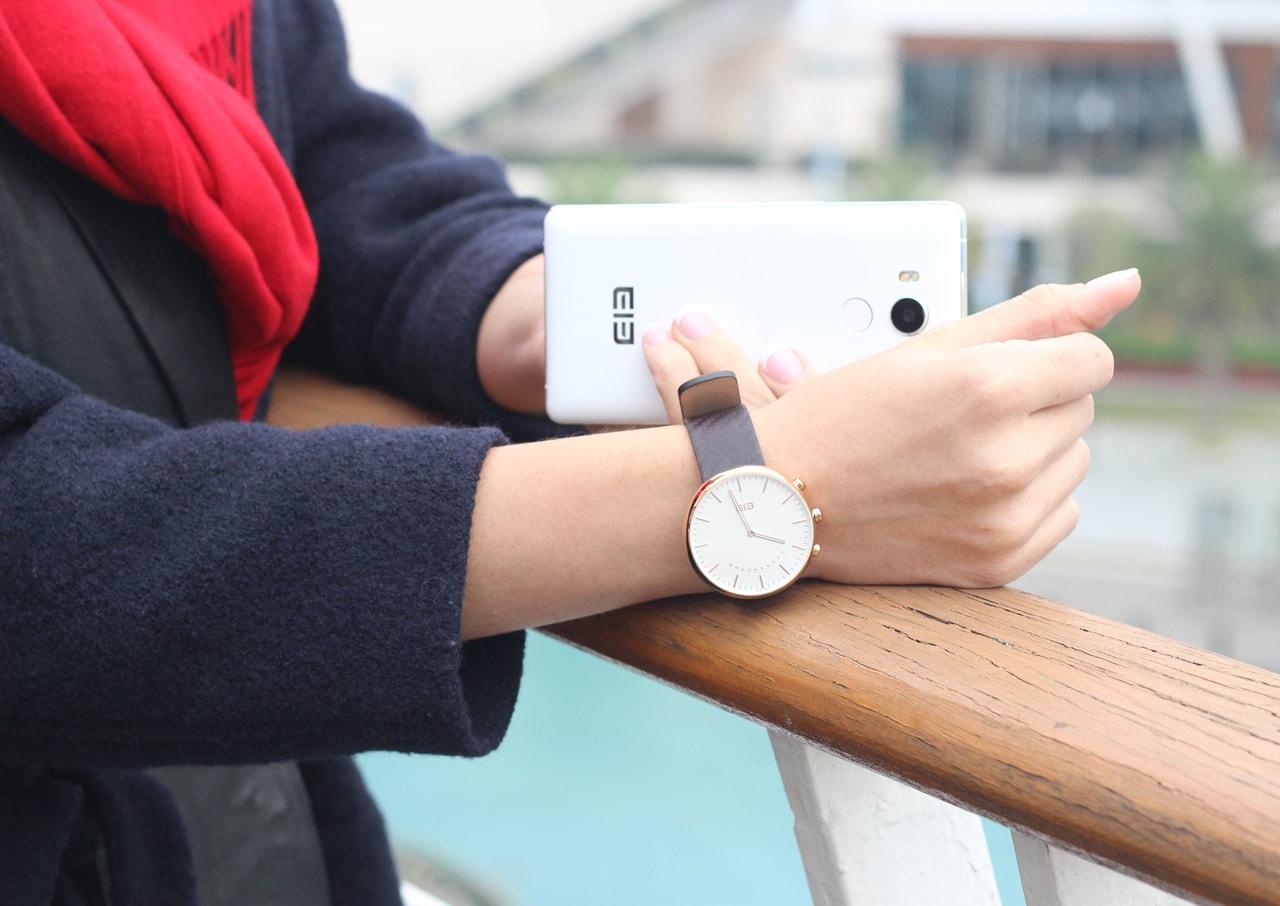 Un Primo Sguardo A Elephone W2 Uno Smartwatch Con Android