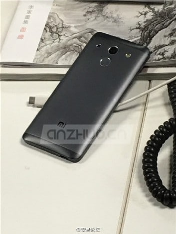 Purported-Xiaomi-Mi-5-leaked-photos (1)