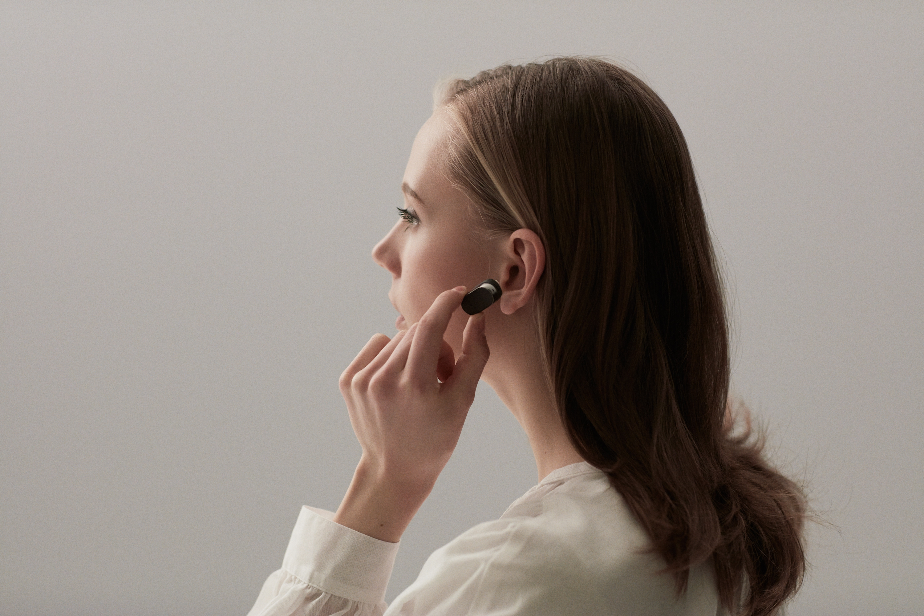 Xperia Ear arriva ufficialmente in Europa: preordini aperti a 199€ (foto e video)