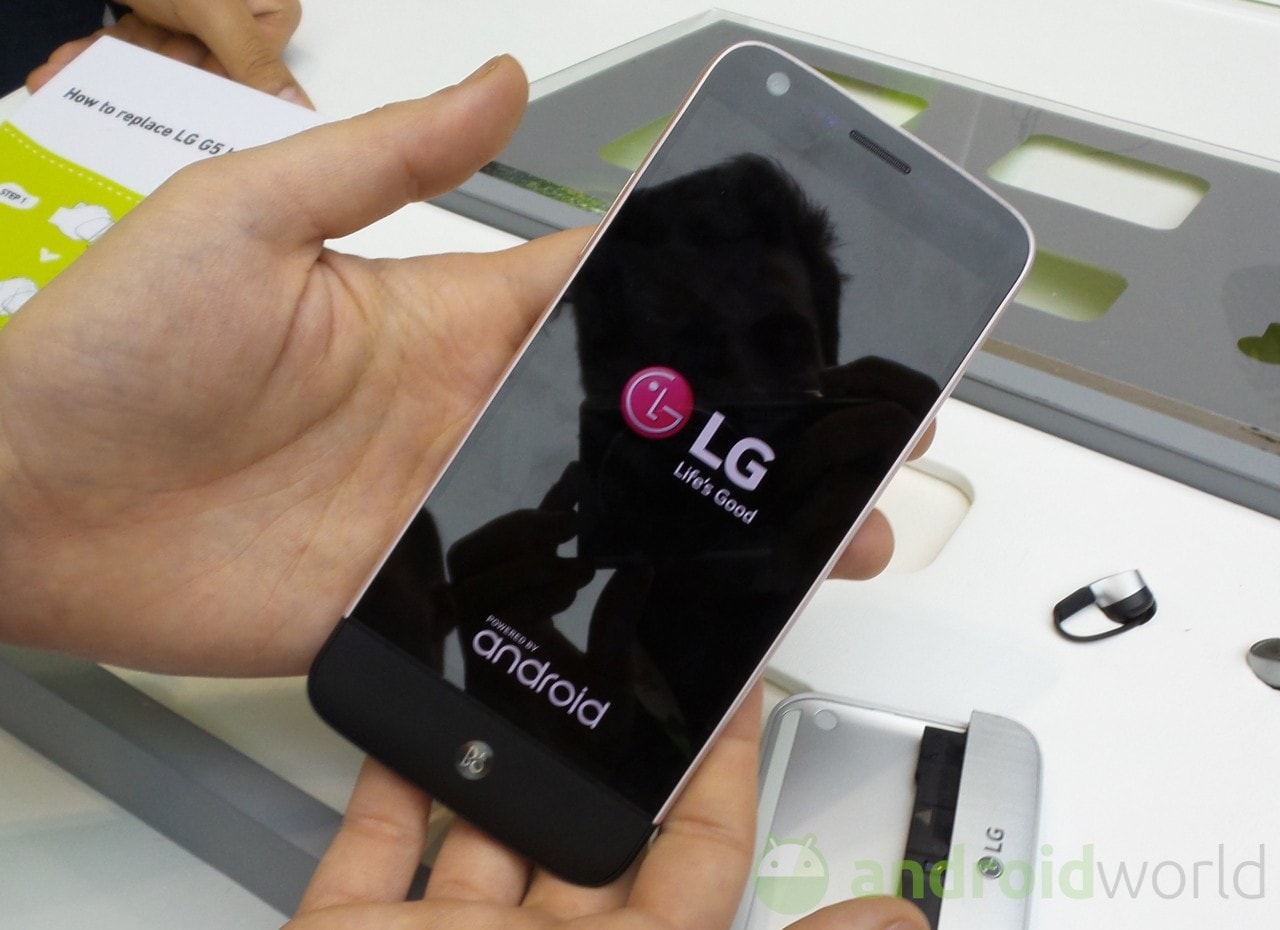 LG vi spiega perché comprare G5 in pillole da 15 secondi (video)