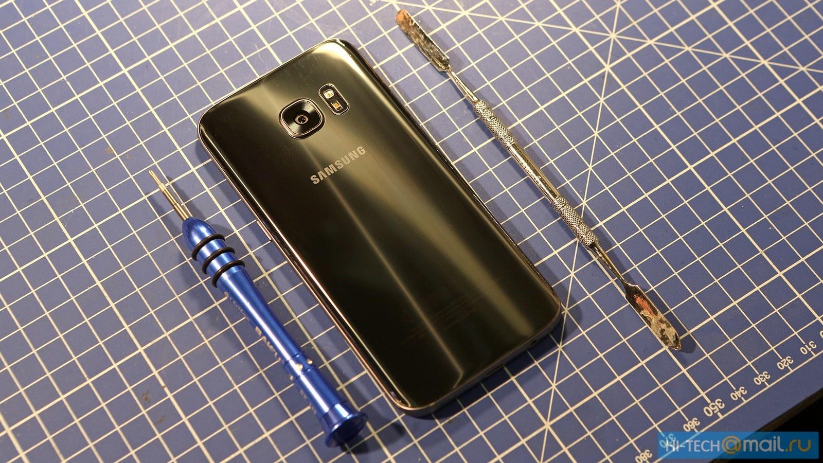 Galaxy S7 teardown raffreddamento liquido 16