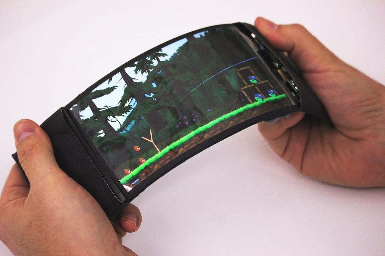 ReFlex è il primo prototipo di smartphone davvero flessibile al mondo che funziona! (foto e video)