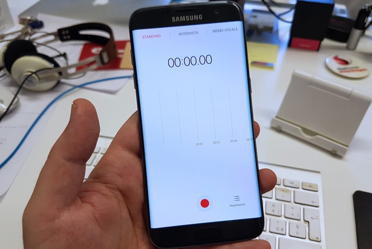 L'ottimo registratore vocale Samsung Voice Recorder arriva sul Play Store per Galaxy S7 (foto)