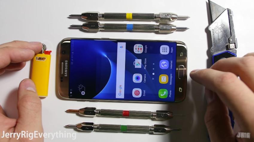 Test di resistenza Galaxy S7