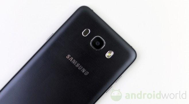 Samsung Galaxy J7 (2016) - 6