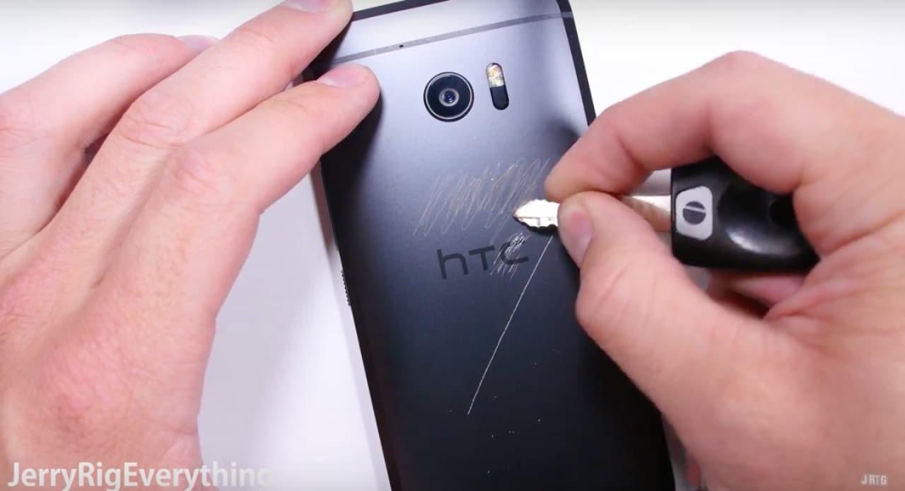 HTC 10 - scratch test