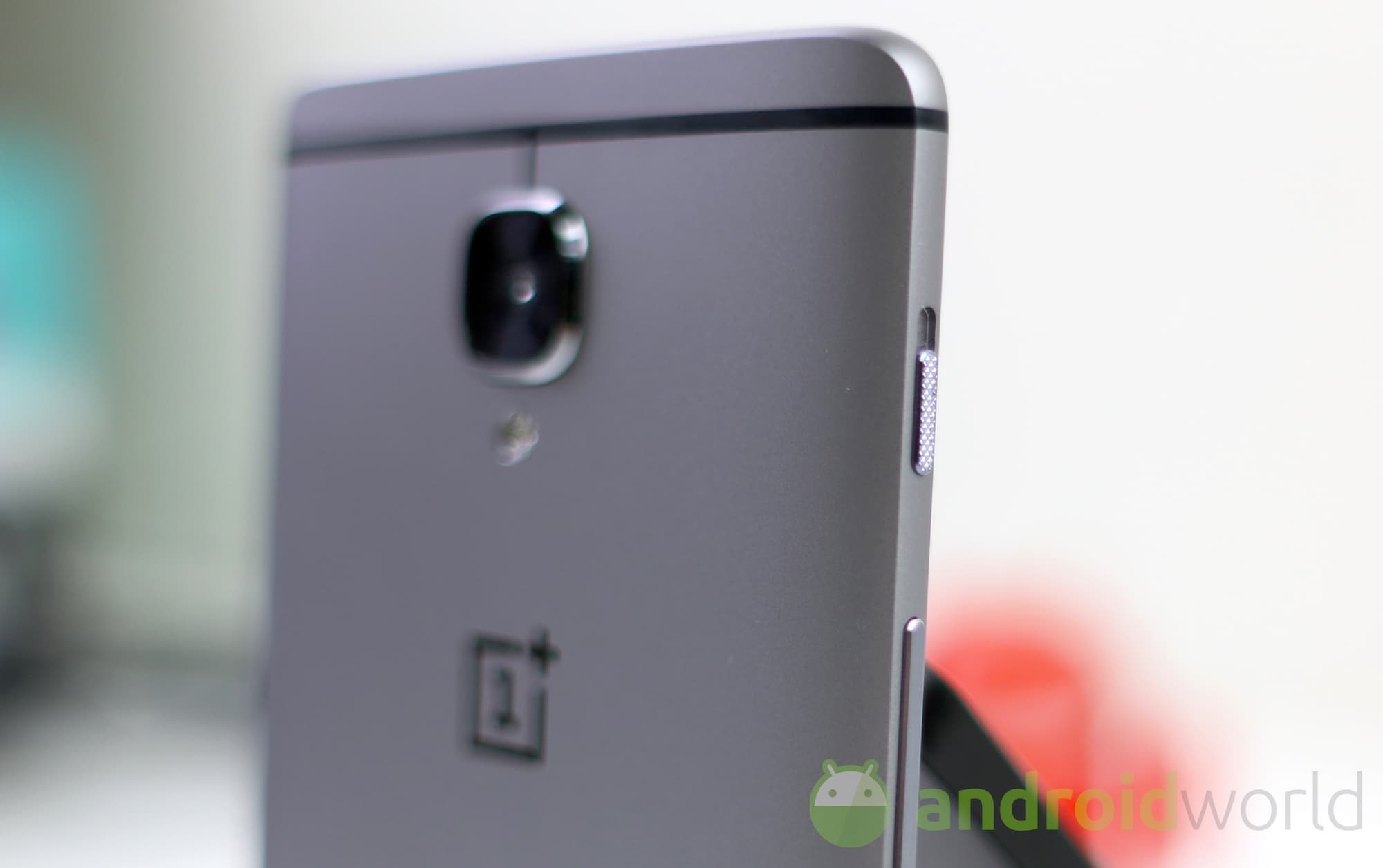 OxygenOS 3.2.6 disponibile per OnePlus 3
