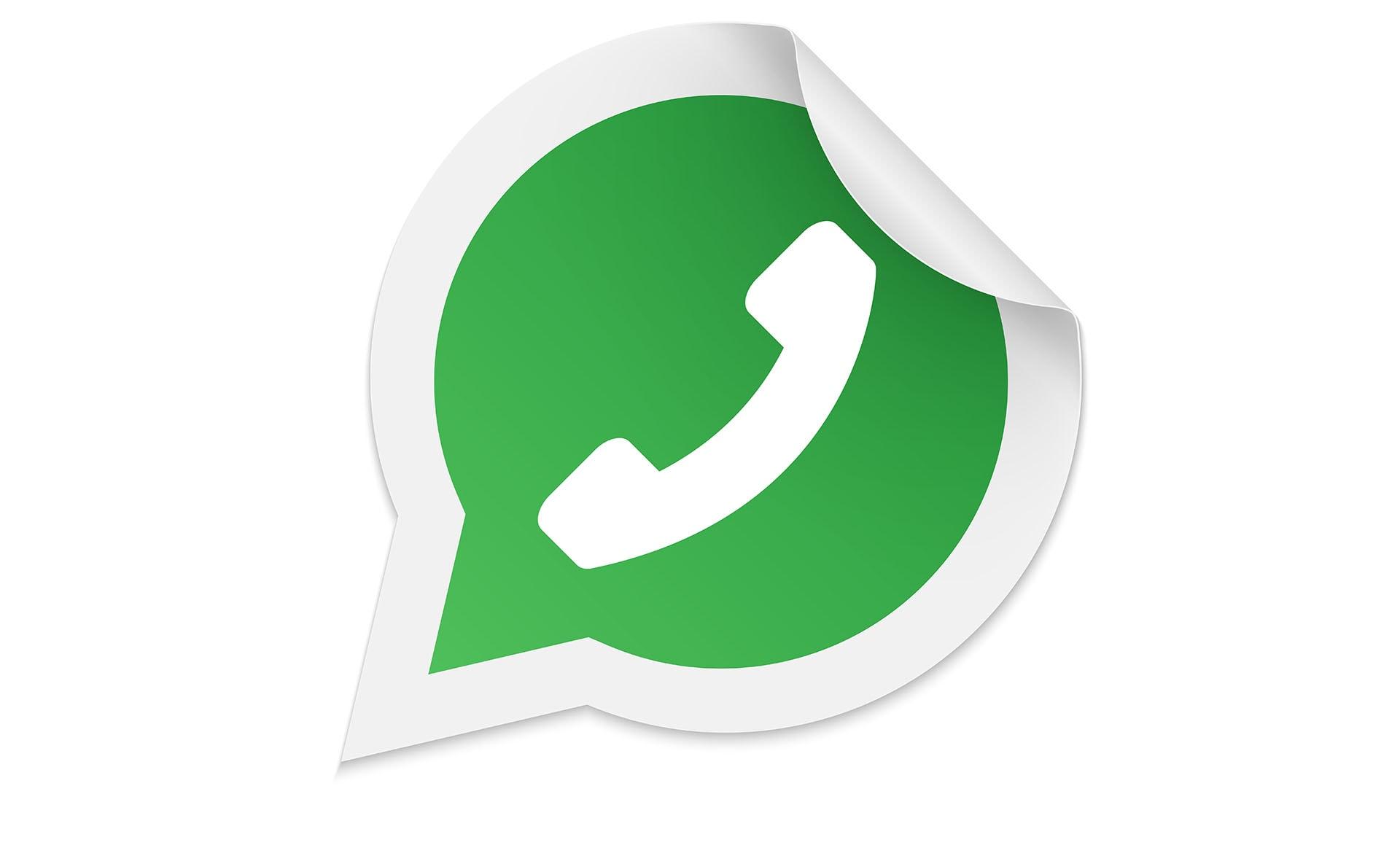 WhatsApp beta aggiunge i link di invito ai gruppi ed un pulsante per inoltrare contenuti (foto)