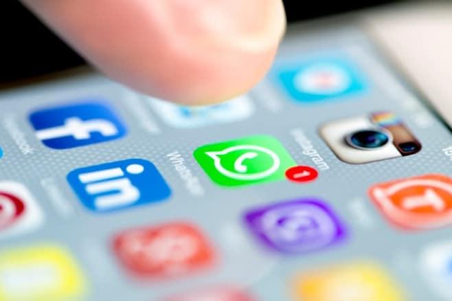 icona-whatsapp-instagram-facebook-istock
