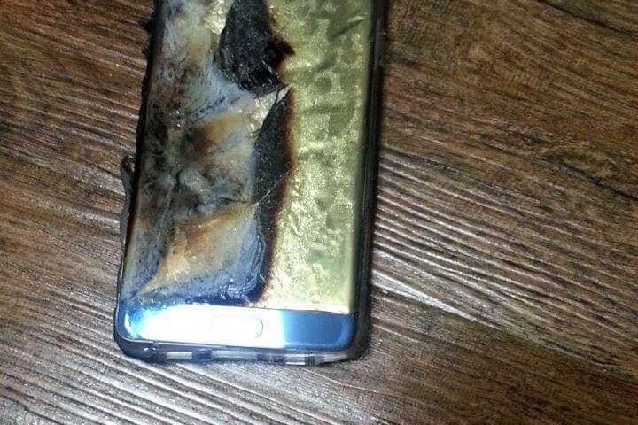 """È ufficiale: Samsung ha bloccato le vendite di Galaxy Note 7 per via delle batterie """"esplosive"""" (comunicato)"""