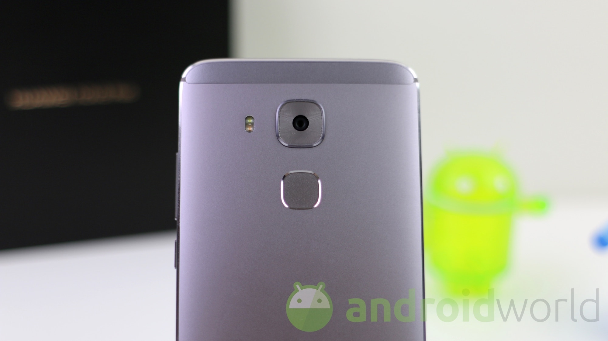 Huawei Nova Plus, la recensione (foto e video)