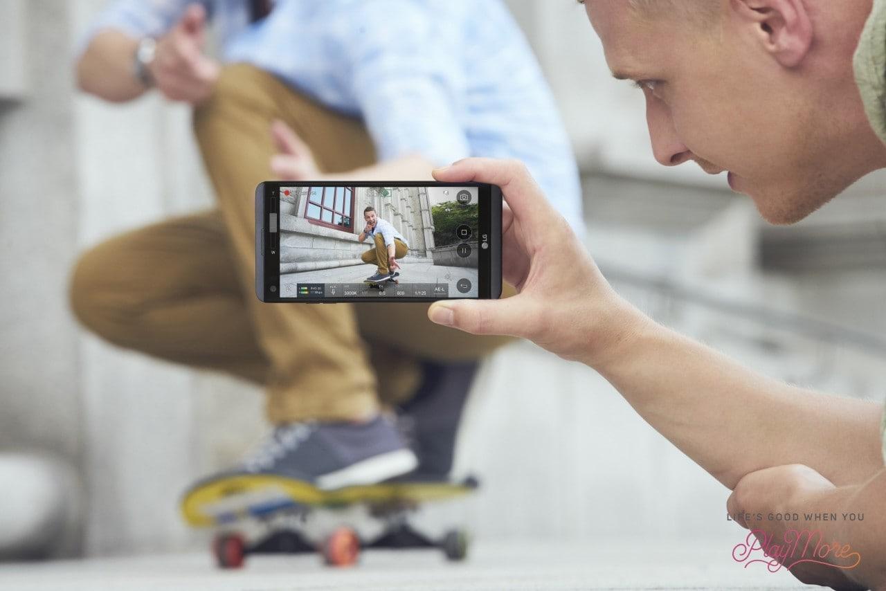 LG V20 messo alla prova in tanti test di resistenza, e focus sulla UX 5.0+ (video)