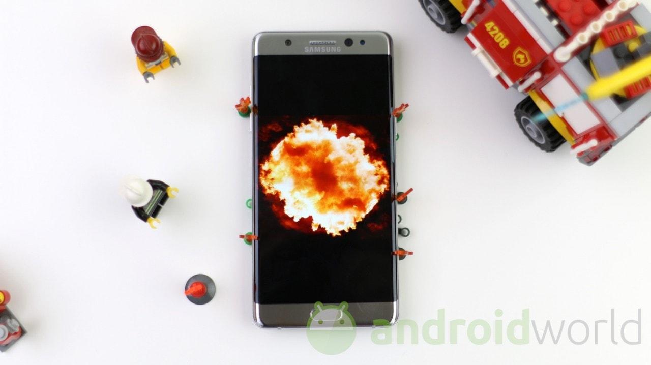 """Samsung avrebbe ricevuto """"solo"""" 26 falsi report di Galaxy Note 7 esplosi"""