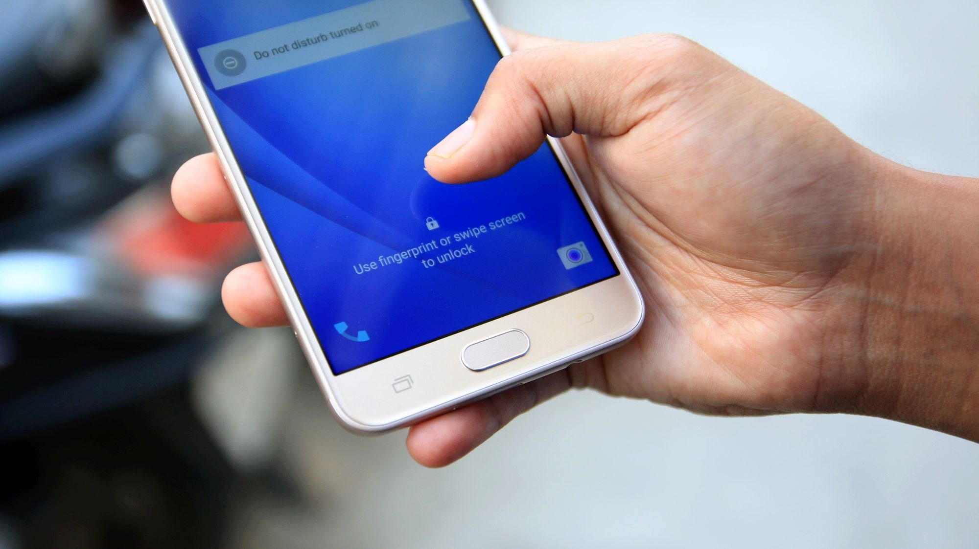 Su Samsung Galaxy J7 Prime il lettore di impronte funziona anche a schermo spento