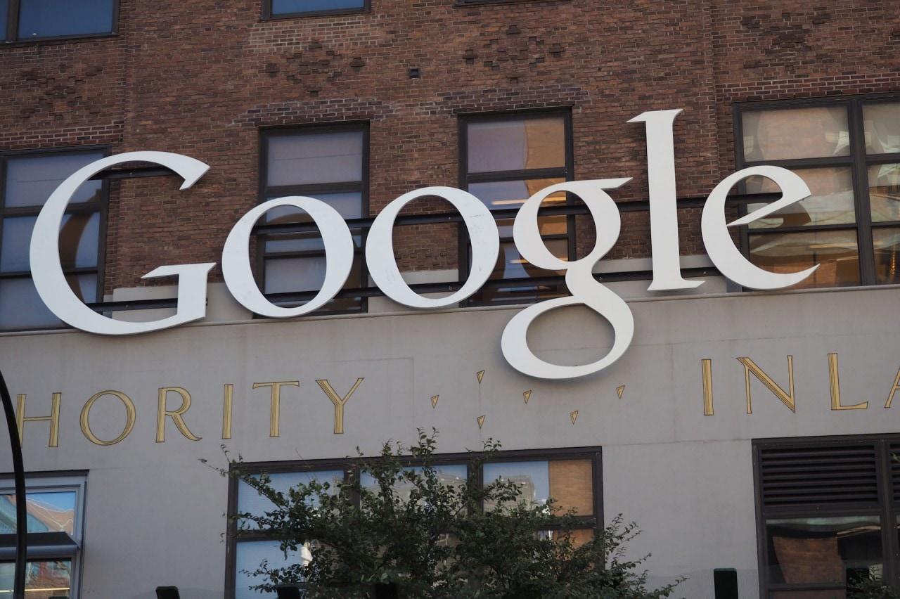 Le azioni di Google toccano il massimo storico dopo le recensioni dei Pixel