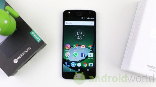 Lenovo Moto Z Play - 15