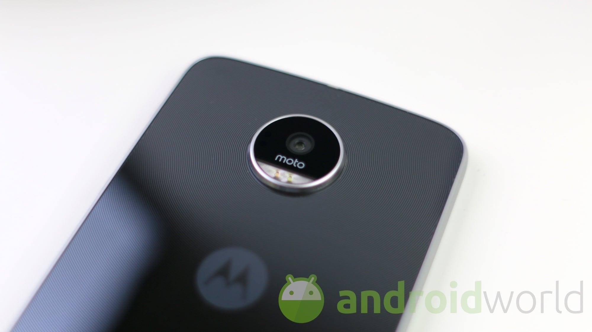 Lenovo Moto Z Play - 19