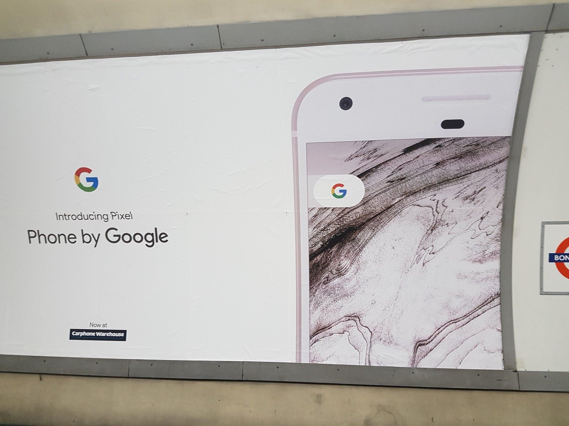 Un mondo fatto di Pixel: Google tappezza le città con la pubblicità dei suoi smartphone (foto)