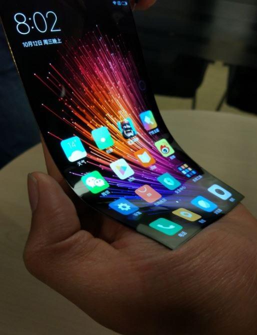 Anche Xiaomi al lavoro su un display flessibile? Sì, secondo questi render (foto)
