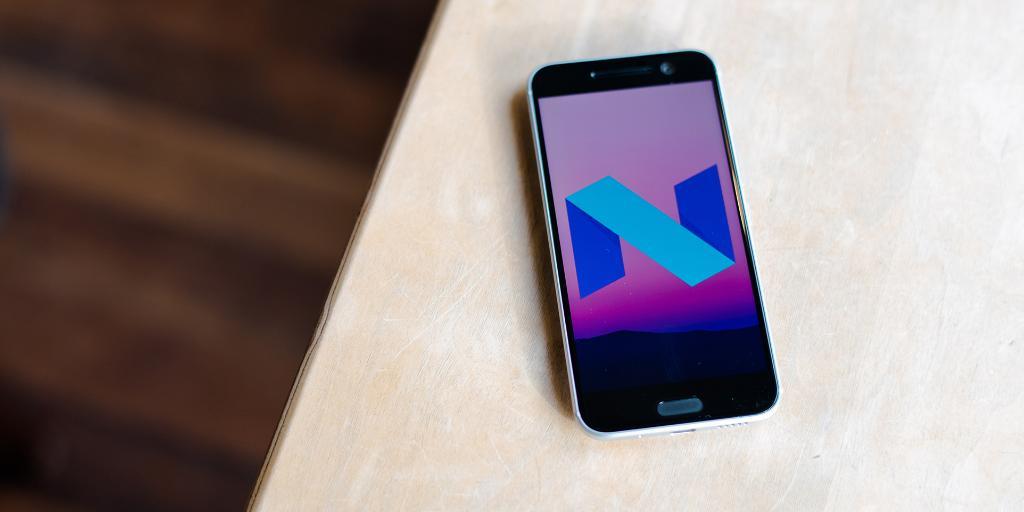 Disponibili i sorgenti Nougat di HTC 10: via libera alle ROM!
