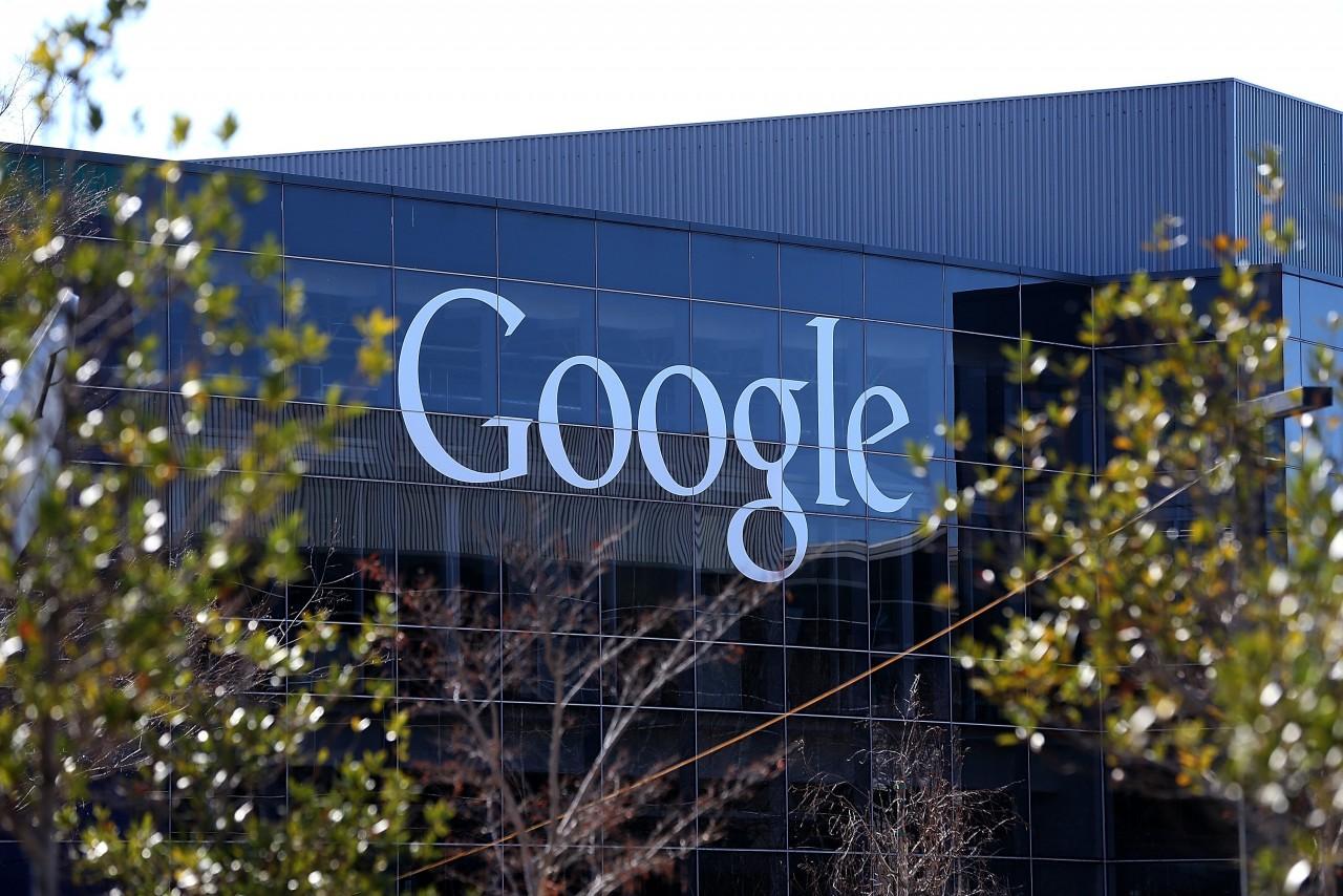Google Shopping si prepara a fare concorrenza a IKEA: i mobili subito a casa vostra, in realtà aumentata