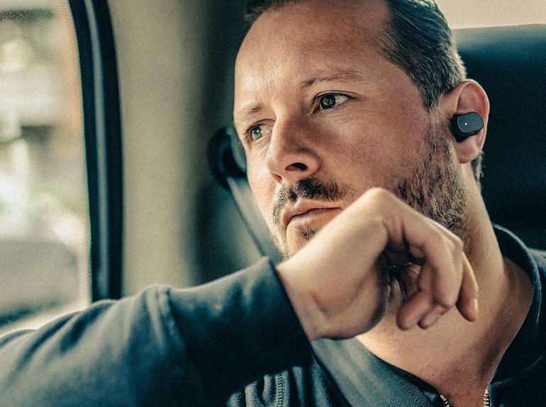 L'auricolare smart di Sony, Xperia Ear, è disponibile sullo store ufficiale italiano (video)