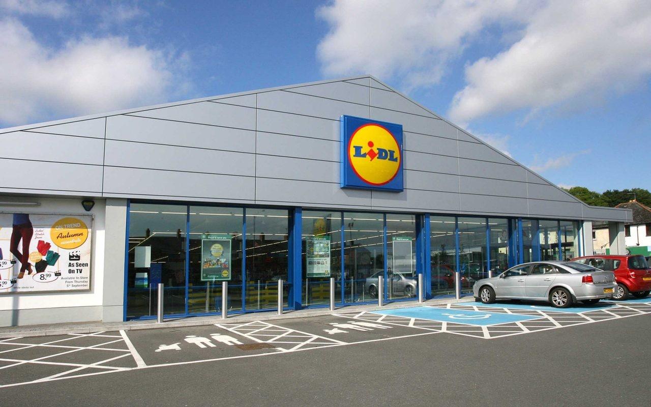 La spesa al Lidl si prepara sullo smartphone, con l'app ufficiale della catena di supermercati (foto)