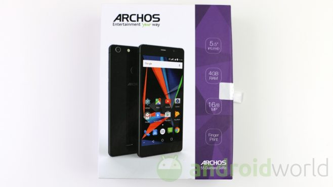 archos-55-diamond-selfie-1