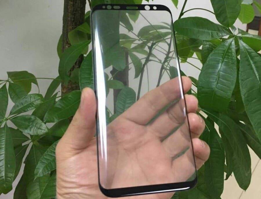 """Questi proteggi schermo in vetro temperato escludono la possibilità di un Galaxy S8 """"liscio"""" (aggiornato)"""