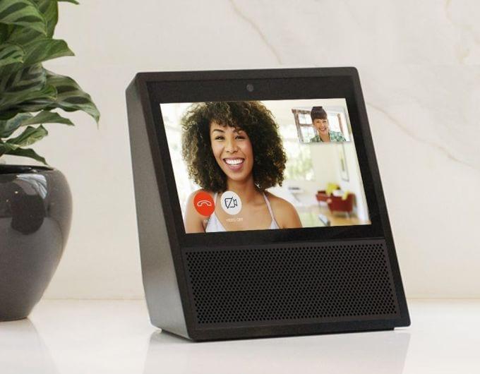 Google Home con display? Rumor sul rivale di Amazon Echo Show