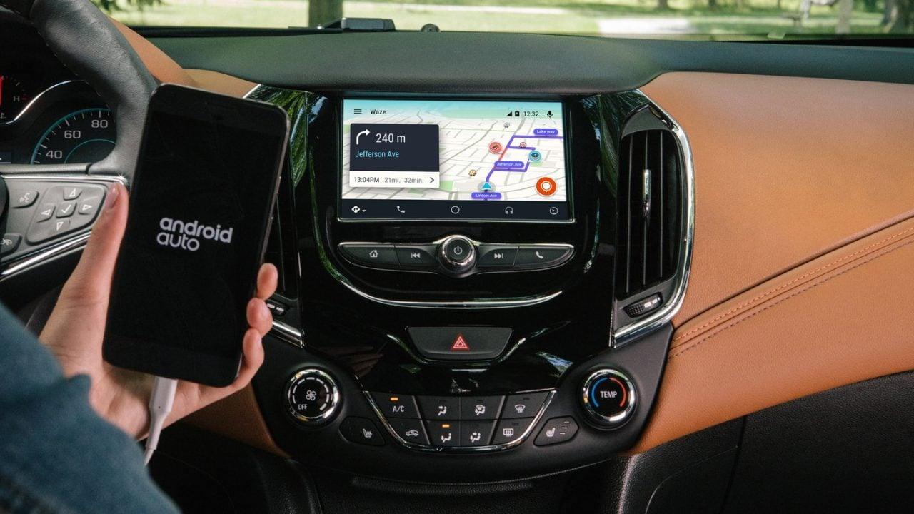 Android Auto compatibile con oltre 400 tra auto e sistemi stereo: voi lo usate?