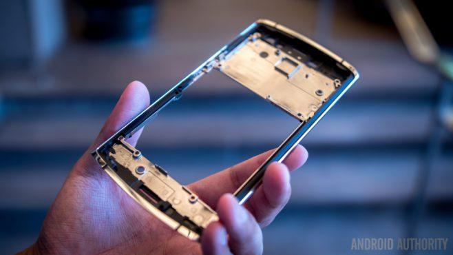 Turing ci riprova: ecco Appassionato, smartphone dal design unico e dotato di un assistente... umano (foto e video)