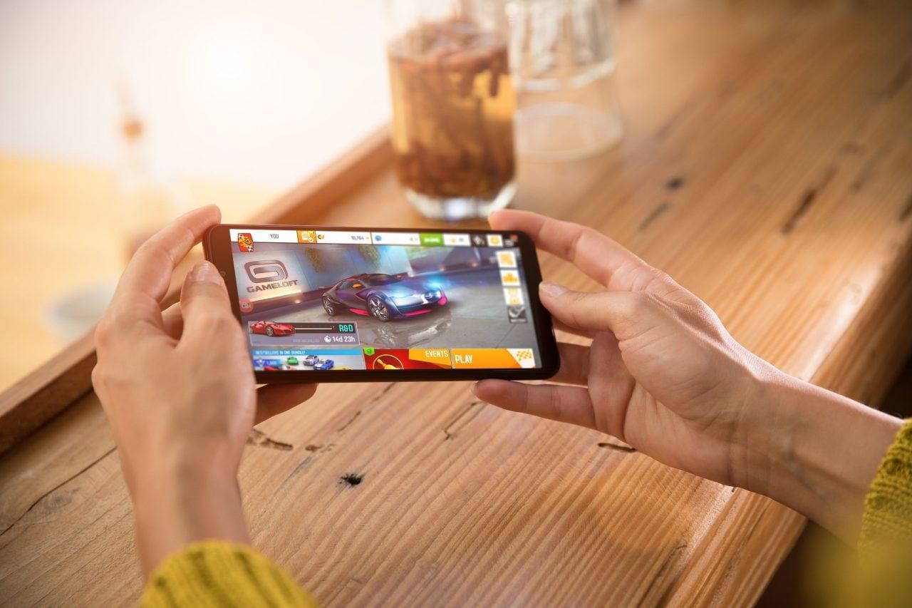 Brand tamarro e prestazioni top: Xiaomi potrebbe presto lanciare il suo anti Razer Phone (aggiornato: anche ASUS?)
