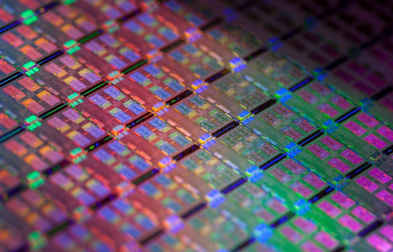 Intel è al lavoro su una sua scheda grafica dedicata: il primo prototipo è già realtà (foto)
