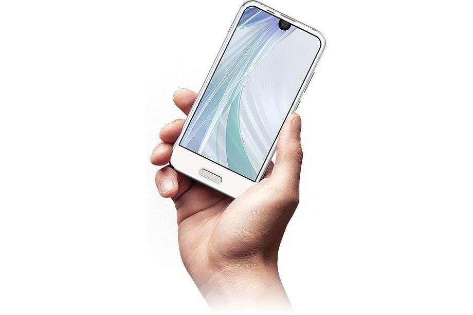 """Sharp realizza la versione """"mini me"""" di Essential Phone, Aquos R Compact (foto)"""