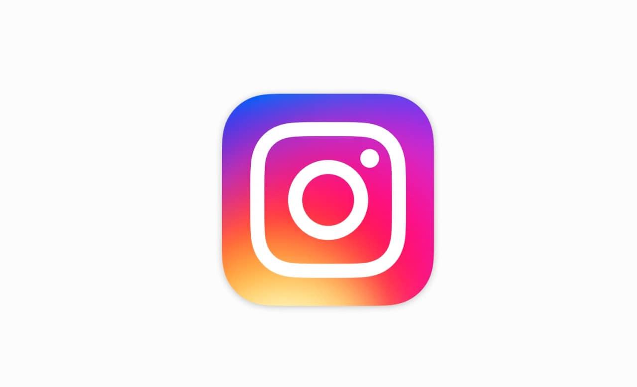 Instagram sta sperimentando un nuovo riquadro dinamico per aggiungere commenti alle foto nel feed (foto)