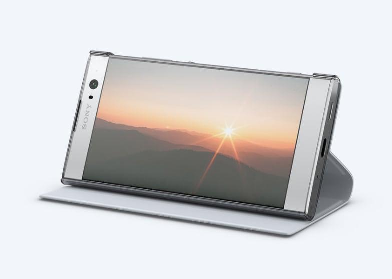 I nuovi Sony Xperia XA2 e XA2 Ultra saranno accompagnati dal lancio delle rispettive Style Cover Stand (foto)