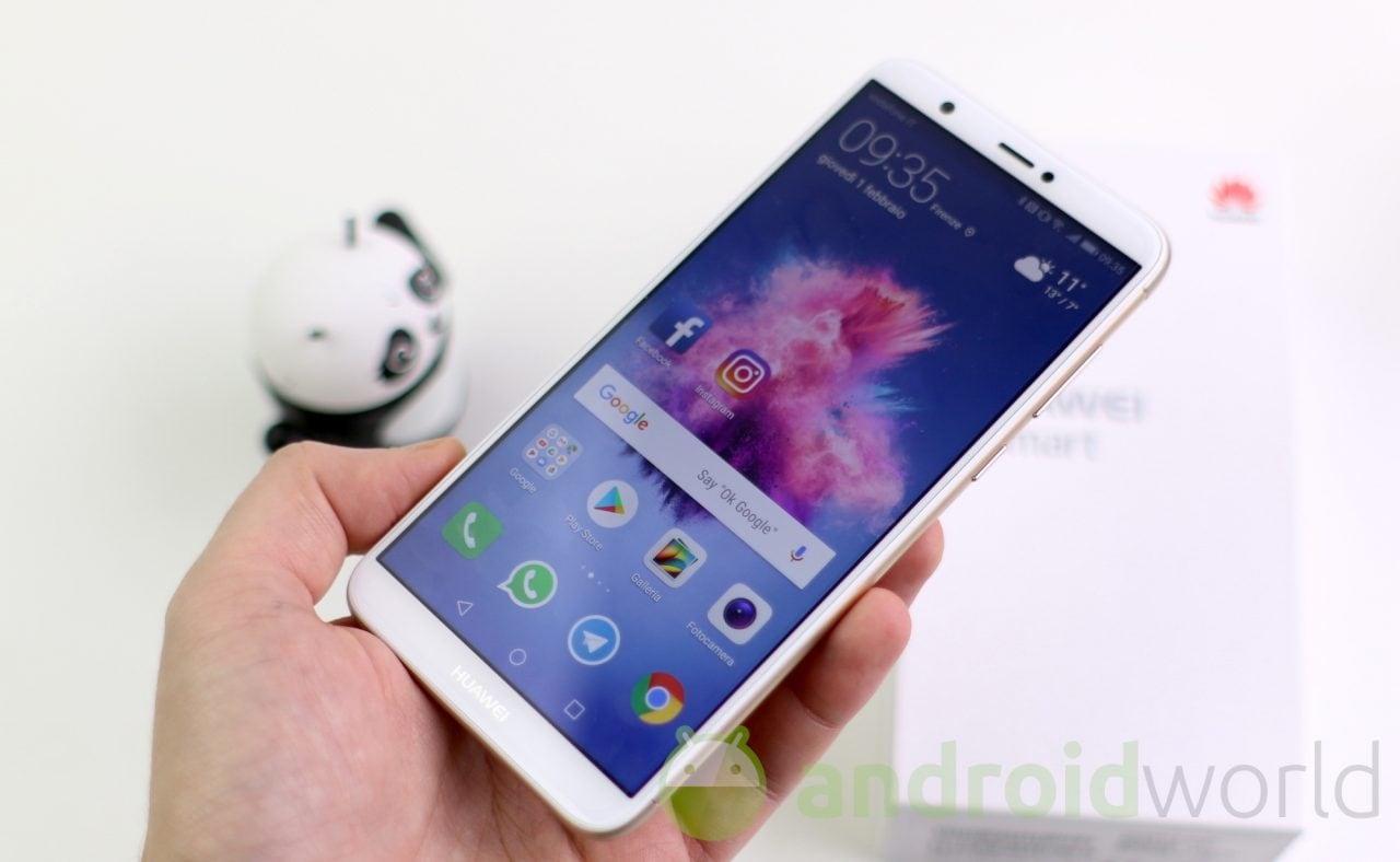 Huawei P Smart (2018) in forma smagliante in vista dell'estate: ecco Android Pie con EMUI 9.1 (foto)