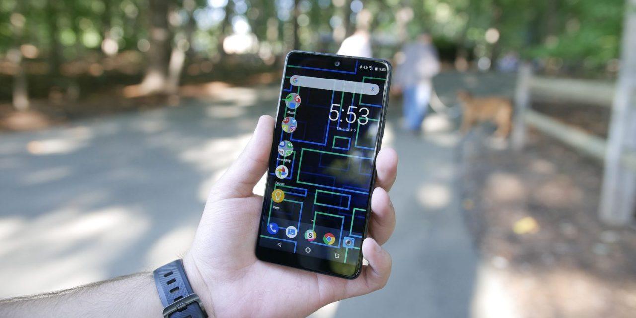 Essential Phone non molla: disponibile la prima beta di Oreo 8.1
