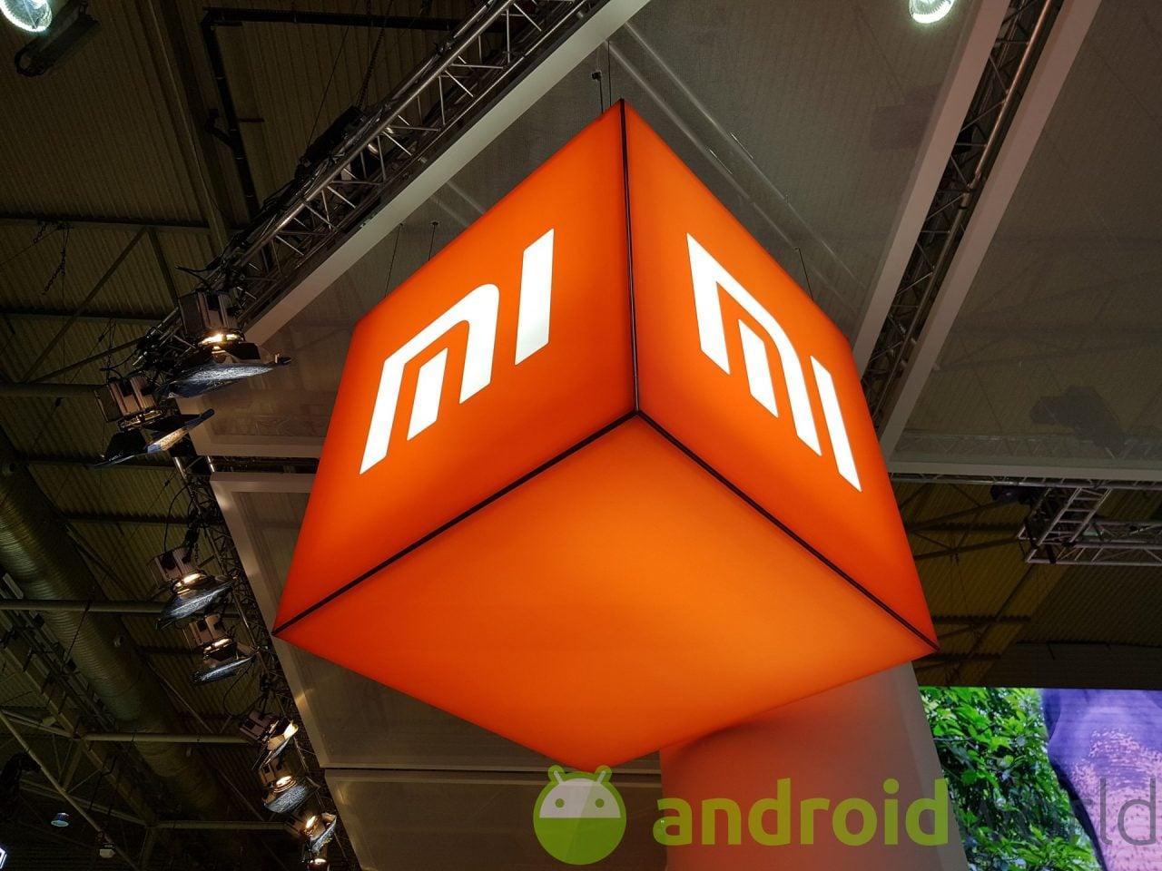 Nuove presunte immagini di Mi MIX 2S: no notch e lettore d'impronte sul retro (foto)